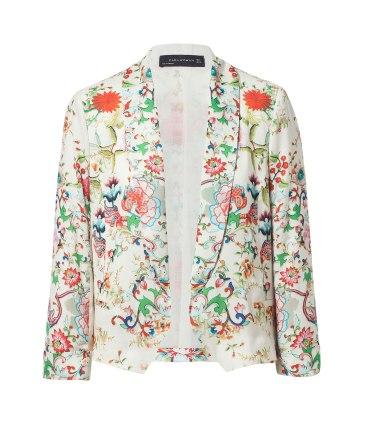 elblogdeanasuero_Chaquetas estampadas_Zara Blazer corta de flores fondo blanco