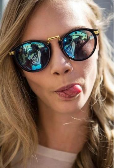 elblogdeanasuero_Gafas de espejo_Cara Delevingne redondas