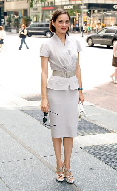 elblogdeanasuero_El estilo de Marion Cotillard_Dior traje de chaqueta