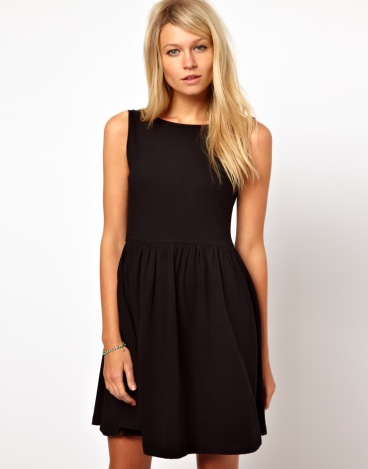 elblogdeanasuero_Little black dress_Asos sencillo con vuelo