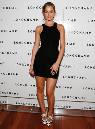 elblogdeanasuero_Little black dress_Leighton Meester muy corto