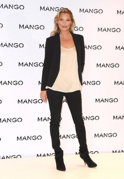 elblogdeanasuero_Blazer negra_Kate Moss look básico