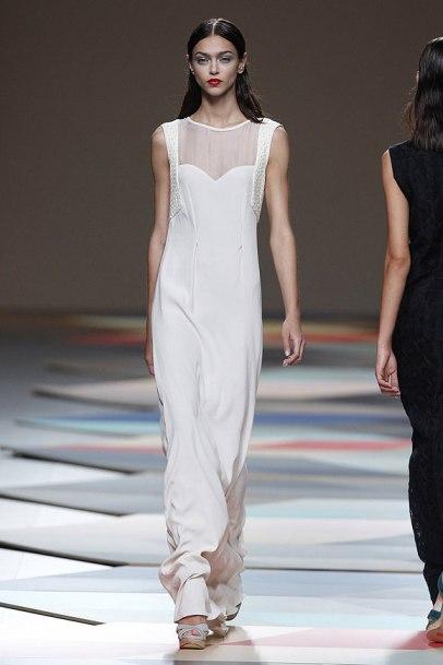 elblogdeanasuero_MBFWM_Ailanto vestido largo blanco