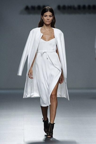 elblogdeanasuero_MBFWM_Angel Schlesser vestido blanco