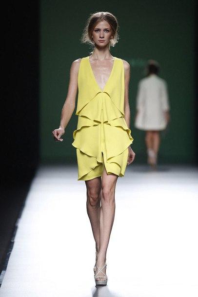 elblogdeanasuero_MBFWM_Devota & Lomba vestido amarillo