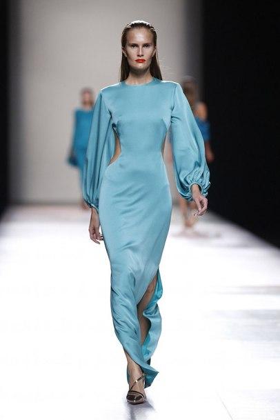 elblogdeanasuero_MBFWM_Duyos vestido cut out azul