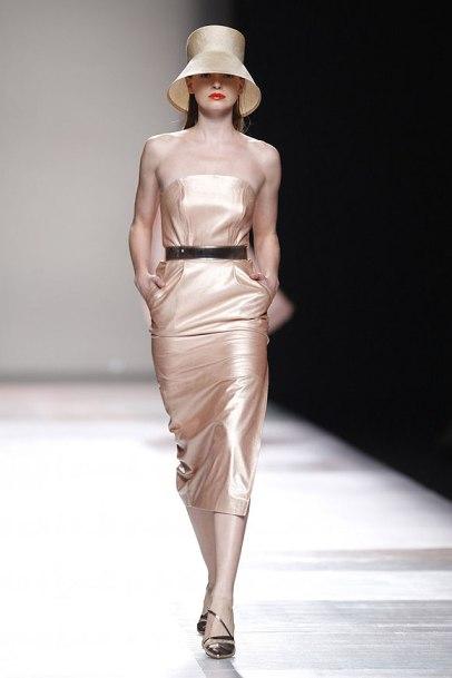 elblogdeanasuero_MBFWM_Duyos vestido metalizado dorado