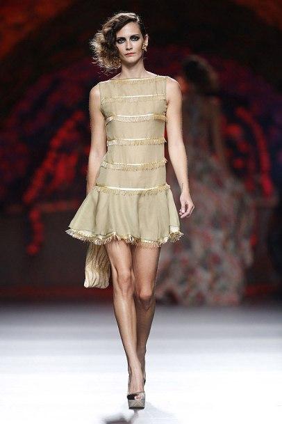 elblogdeanasuero_MBFWM_Francis Montesinos Vestido dorado