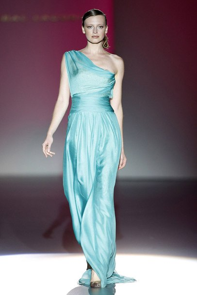 elblogdeanasuero_MBFWM_Hannibal Laguna Vestido azul vaporoso