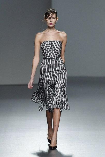 elblogdeanasuero_MBFWM_Juan Vidal vestido blanco y negro