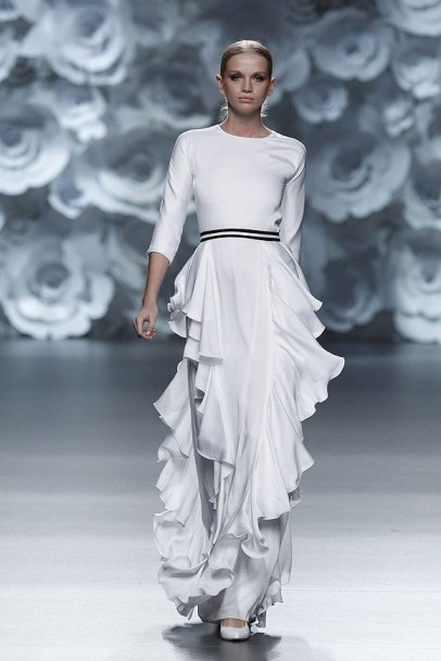 elblogdeanasuero_MBFWM_Juana Martín vestido blanco