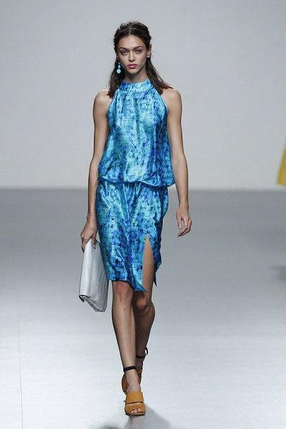 elblogdeanasuero_MBFWM_Rabaneda Vestido azul estampado