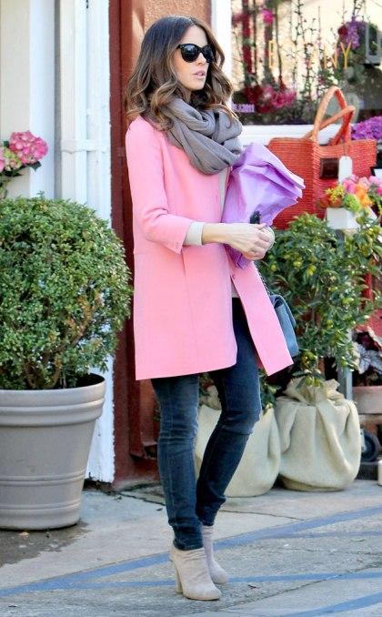 elblogdeanasuero_Abrigos rosas_Kate Beckinsale