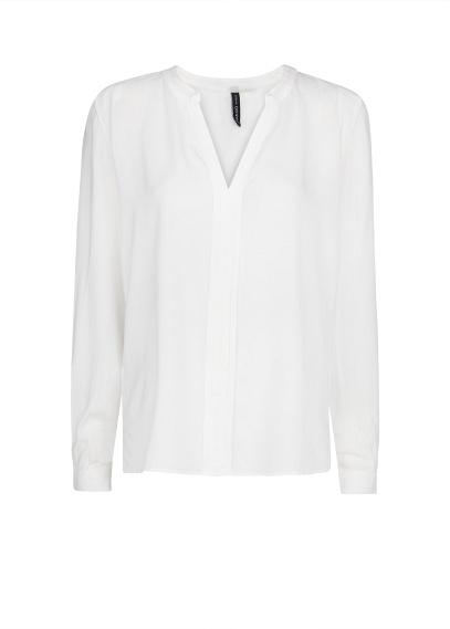 elblogdeanasuero_Fondo de armario Camisa blanca_Mango sin cuello