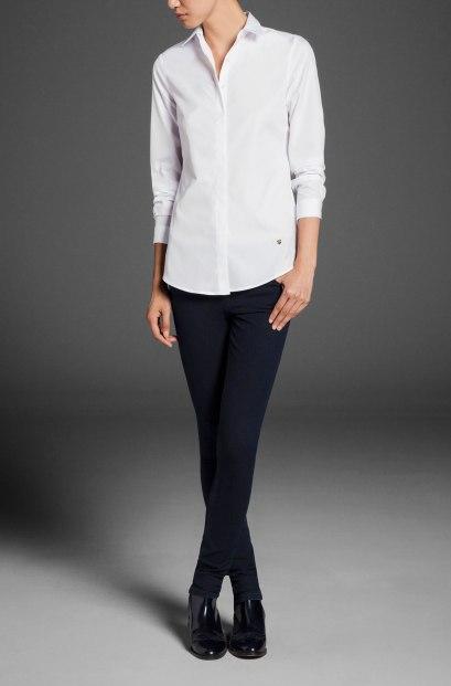 elblogdeanasuero_Fondo de armario Camisa blanca_Massimo Dutti clásica