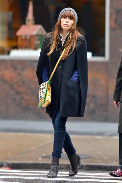 elblogdeanasuero_Capas_Jessica Biel capa abrigo