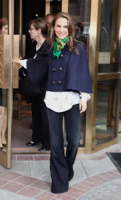 elblogdeanasuero_Capas_Natalie Portman capa azul marino