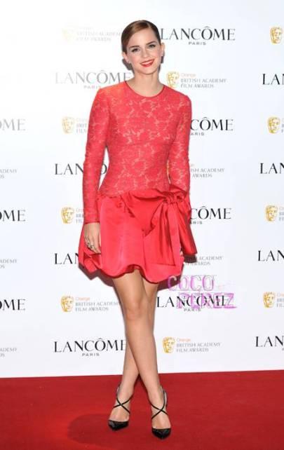 elblogdeanasuero_El estilo de Emma Watson_Valentino vestido rojo encaje