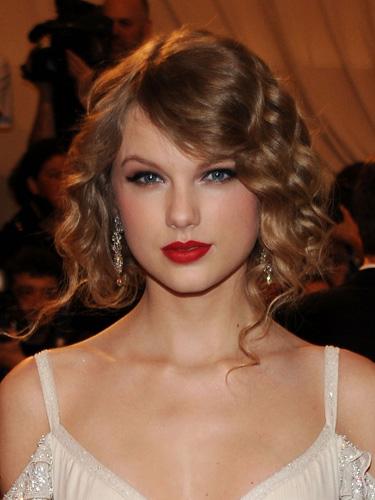 elblogdeanasuero_Falso bob_Taylor Swift