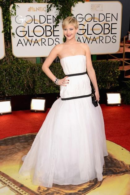 elblogdeanasuero_Globos de Oro 2014_Jennifer Lawrence Dior blanco y negro