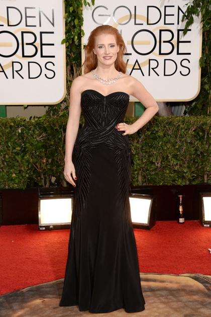 elblogdeanasuero_Globos de Oro 2014_Jessica Chastain Givenchy negro palabra de honor