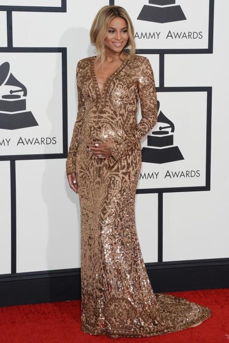 elblogdeanasuero_Grammys 2014_Ciara vestido Emilio Pucci metalizado dorado