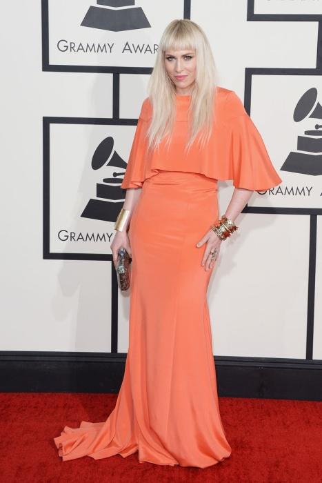 elblogdeanasuero_Grammys 2014_Natasha Bedingfield vestido Christian Siriano naranja con capa