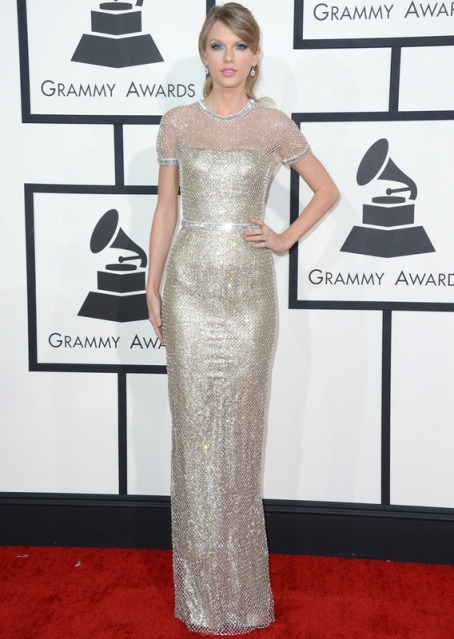 elblogdeanasuero_Grammys 2014_Taylor Swift vestido Gucci metalizado plata