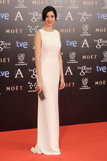 elblogdeanasuero_Premios Goya 2014_Dafne Fernández vestido Carolina Herrera blanco minimalista
