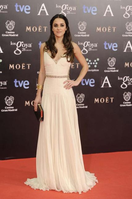 elblogdeanasuero_Premios Goya 2014_Macarena García vestido blanco y detalles metalizados Roberto Cavalli