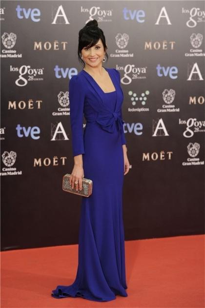 elblogdeanasuero_Premios Goya 2014_Marian Álvarez vestido Miriam Ocáriz azul klein