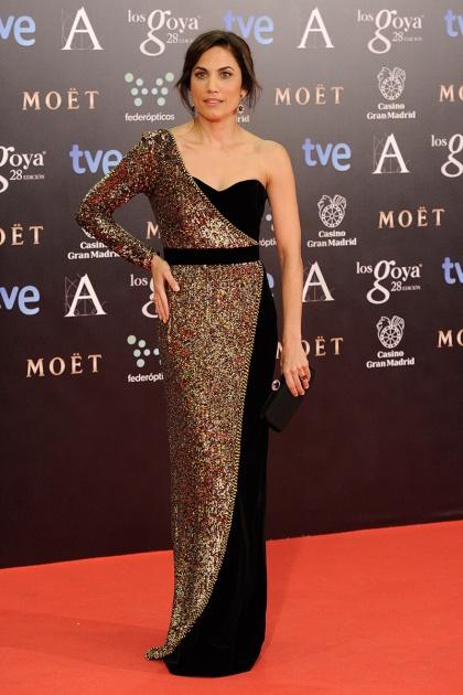 elblogdeanasuero_Premios Goya 2014_Toni Acosta vestido Dolores Promesas bicolor paillettes