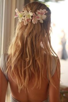 elblogdeanasuero_Tocados de flores_Pinteres corona y pelo suelto boho