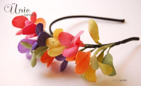 elblogdeanasuero_Tocados de flores_Táneke diadema flores