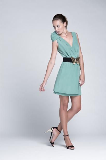elblogdeanasuero_vestidos cortos bodas primavera 2014_Colour Nude verde asimétrico