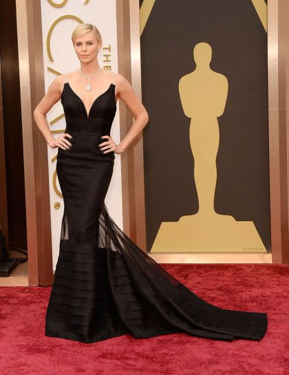 elblogdeanasuero_Oscars 2014_Dior Charlize Theron negro