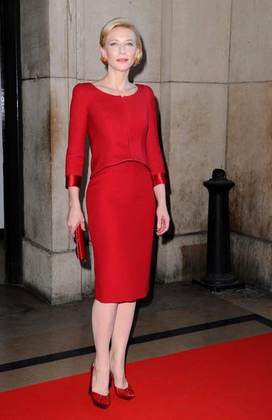 elblogdeanasuero_El estilo de Cate Blanchett_Armani rojo por la rodilla