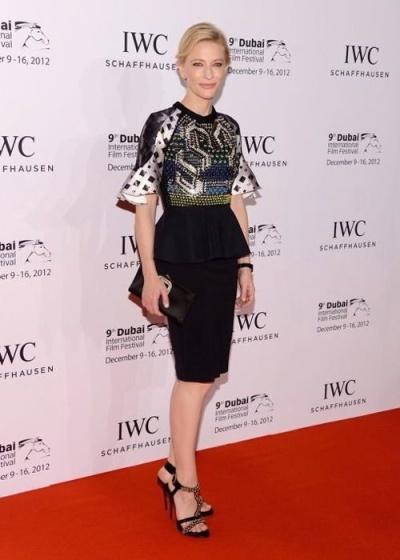 elblogdeanasuero_El estilo de Cate Blanchett_Peter Pilotto vestido corto peplum