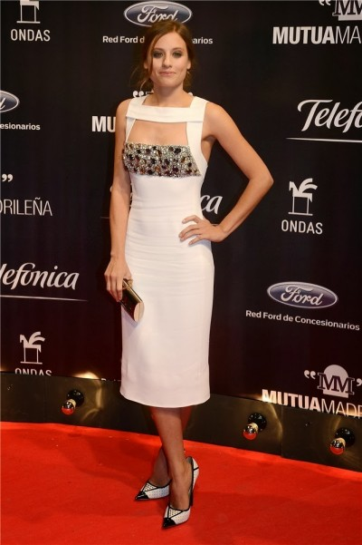 elblogdeanasuero_El estilo de Michele Jenner_Burberry Prorsum vestido midi blanco