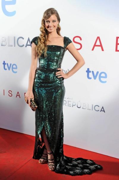 elblogdeanasuero_El estilo de Michele Jenner_Georges Chakras vestido verde paillettes