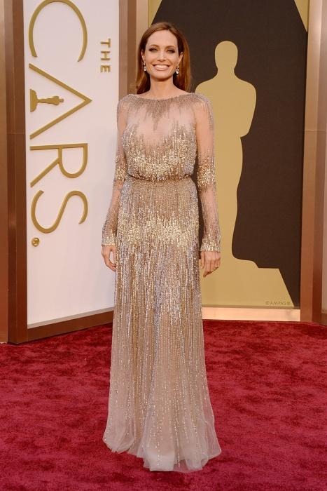 elblogdeanasuero_Oscars 2014_Elie Saab Angelia Jolie paillettes