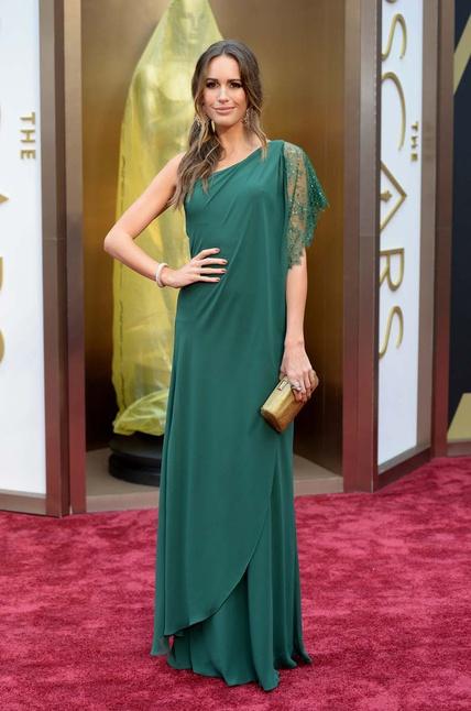 elblogdeanasuero_Oscars 2014_Pronovias Louise Roe verde asimétrico