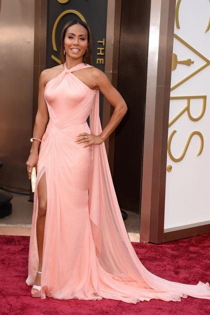 elblogdeanasuero_Oscars 2014_Versace Jada Pinkett Smith rosa claro escote halter