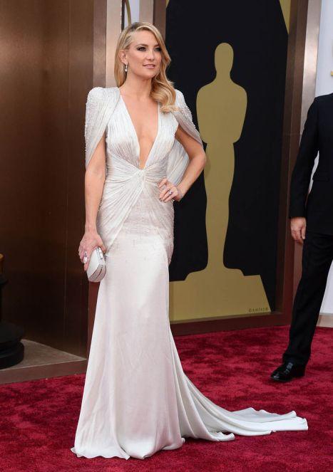 elblogdeanasuero_Oscars 2014_Versace Kate Hudson escotazo blanco