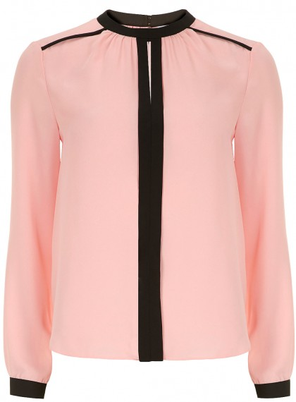 elblogdeanasuero_Color rosa claro_Dorothy Perkins blusa con ribetes negros
