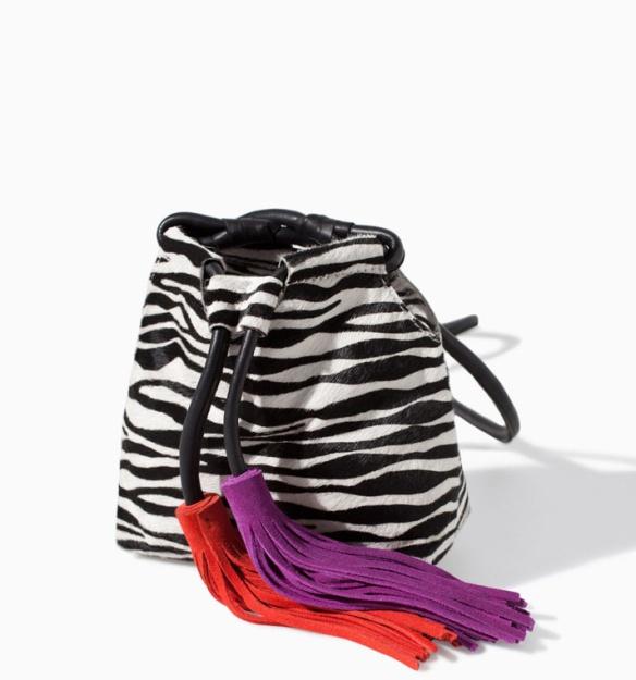 elblogdeanasuero_El boom de la semana_Zara bolso saco cebra