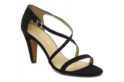 elblogdeanasuero_Fondo de armario sandalias negras_Sarenza tiras cruzadas y tacón medio