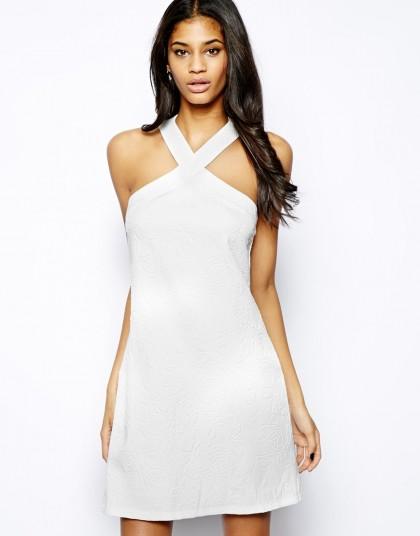 elblogdeanasuero_Little white dress_Asos vestido atado al cuello tejido de flores