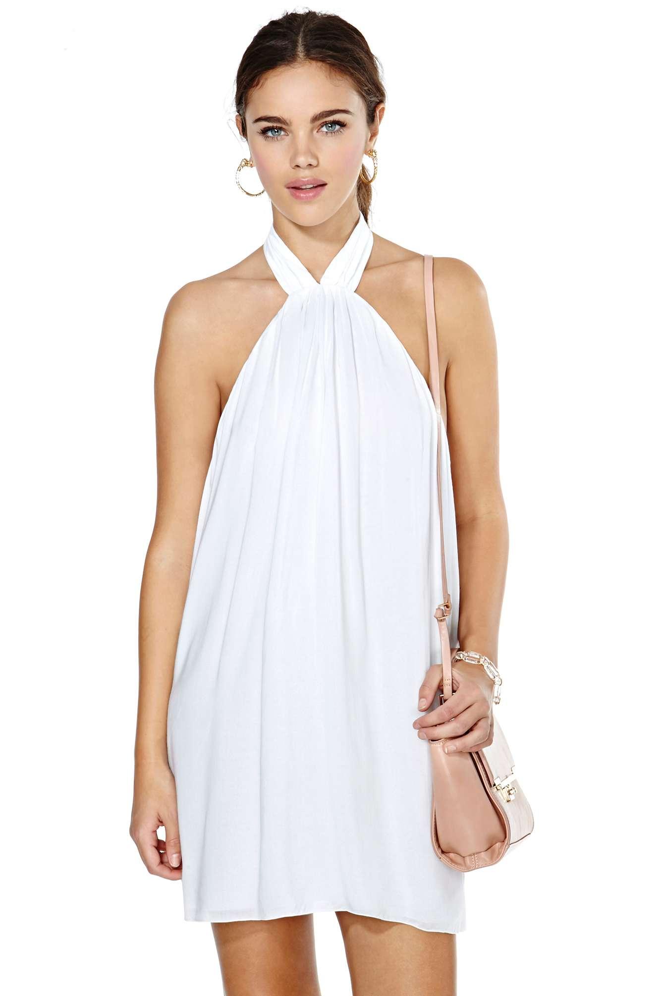 Vestidos blancos atados al cuello