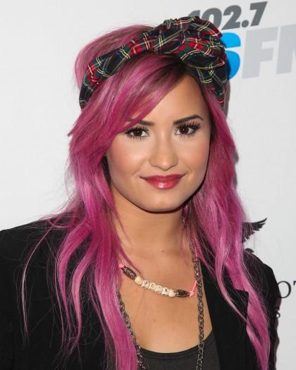 elblogdeanasuero_Pelo de colores_Demi Lovato pelo rosa